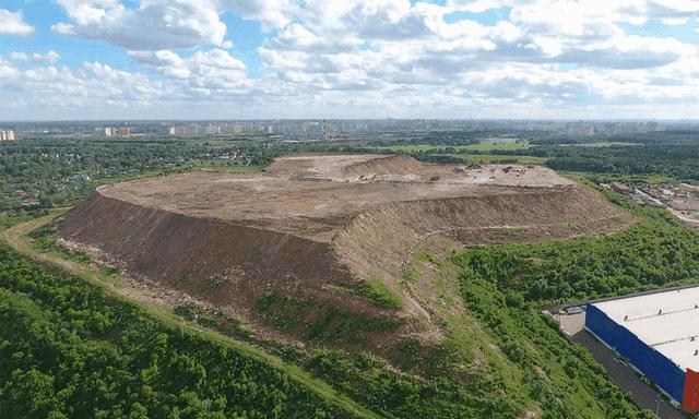 Правительство РФ отклонило предложение губернатора Подмосковья Андрея Воробьева оставлять опасные отходы при рекультивации свалок